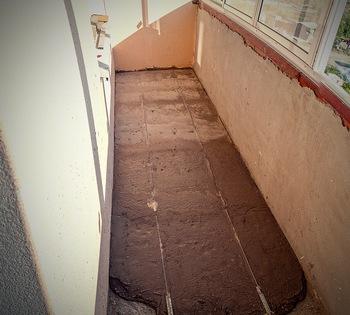 Как сделать стяжку пола на балконе или лоджии самостоятельно