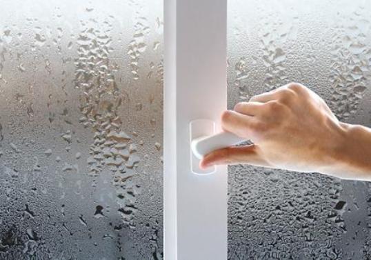Потеют окна на балконе: причины и как избавиться