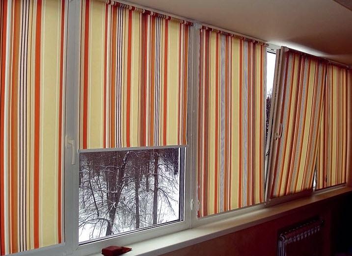 Как выбрать жалюзи на балконную дверь и окна