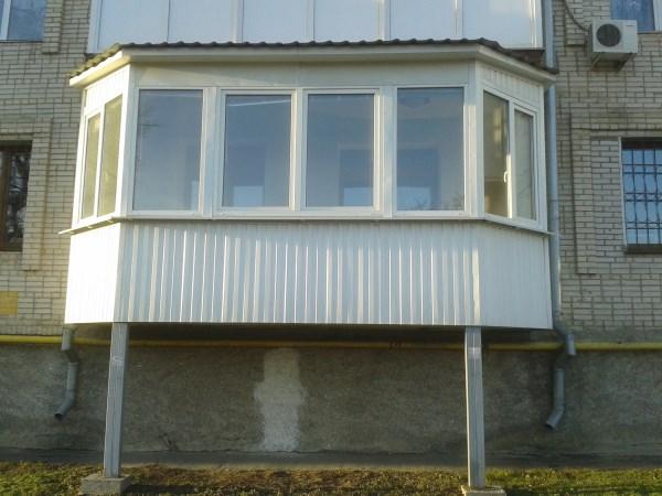 Балкон с внешними опорами
