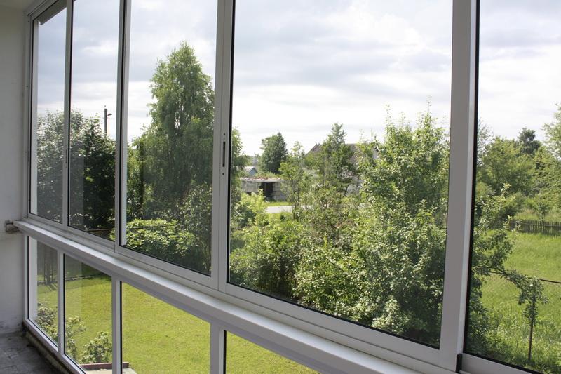 Балконные рамы: установка алюминиевых, пвх, раздвижных, дере.