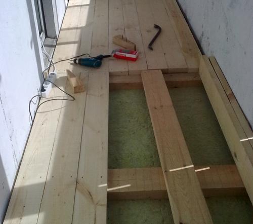 Как положить пол на балконе своими руками видео