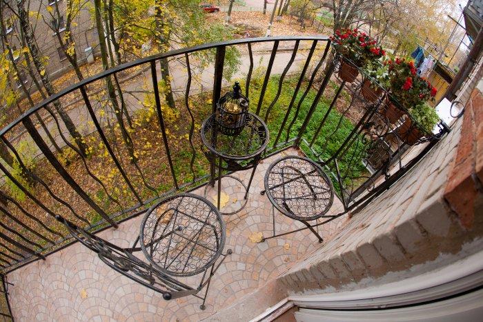 Французский балкон в стиле прованс
