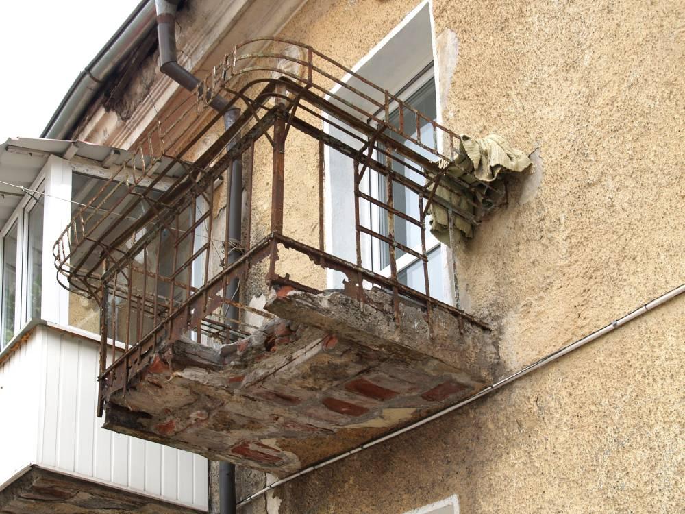 Ветхий балкон