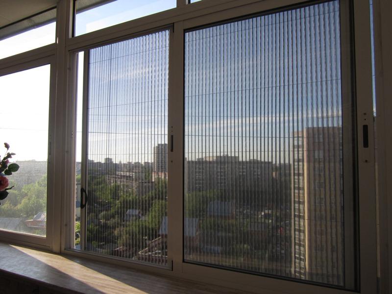 Какая москитная сетка на балкон и лоджию лучше и почему