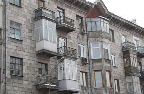 Незаконное остекление балконов