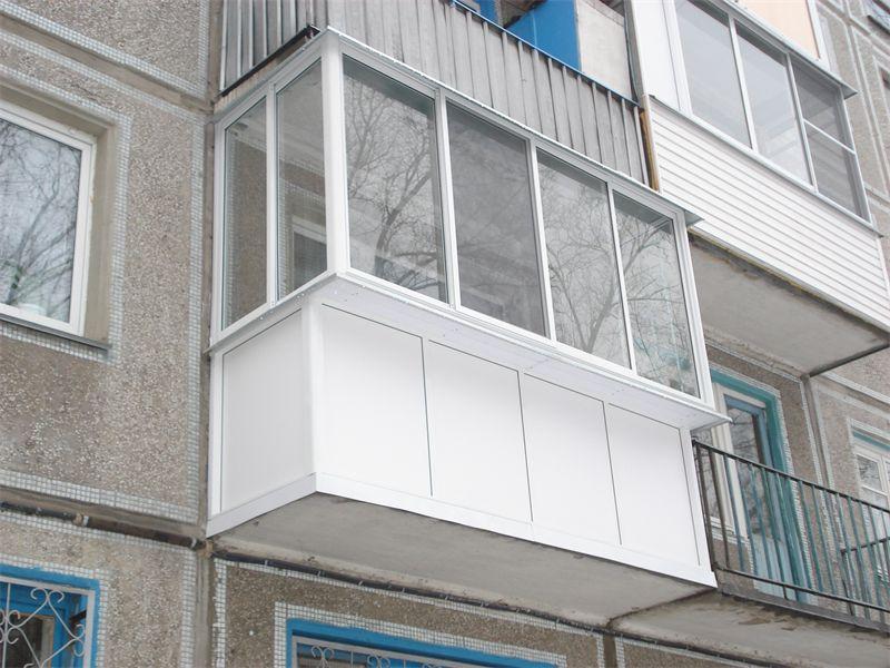 Отделка балкона с выносным остеклением