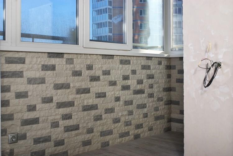 Отделка балкона и лоджии искусственным и декоративным камнем.