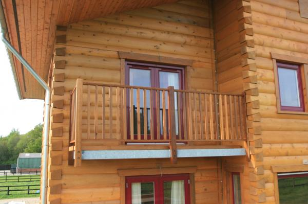 Стандартные размеры балкона в частном доме