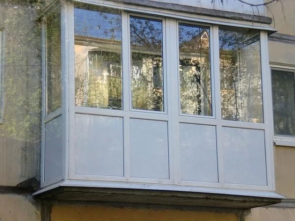 Балкон из сэндвич панелей: преимущества и недостатки