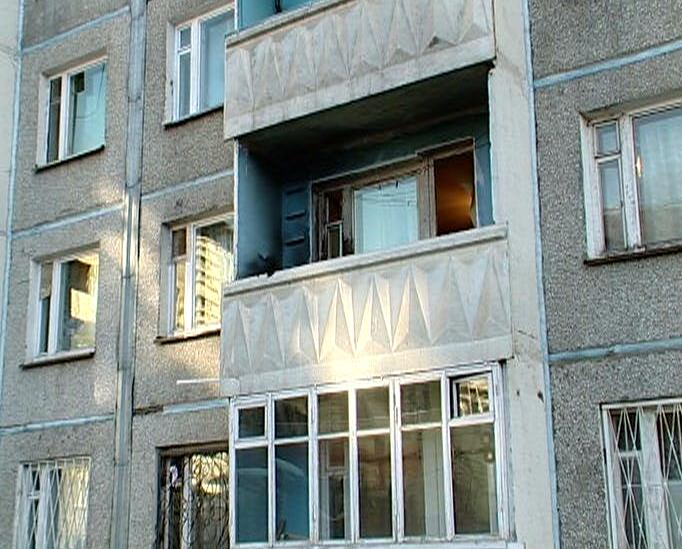 Стандартный незастекленный балкон