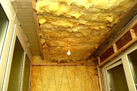 Утепление стен и потолка балкона минватой
