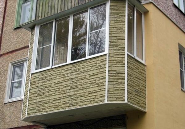 Интересная отделка балкона снаружи