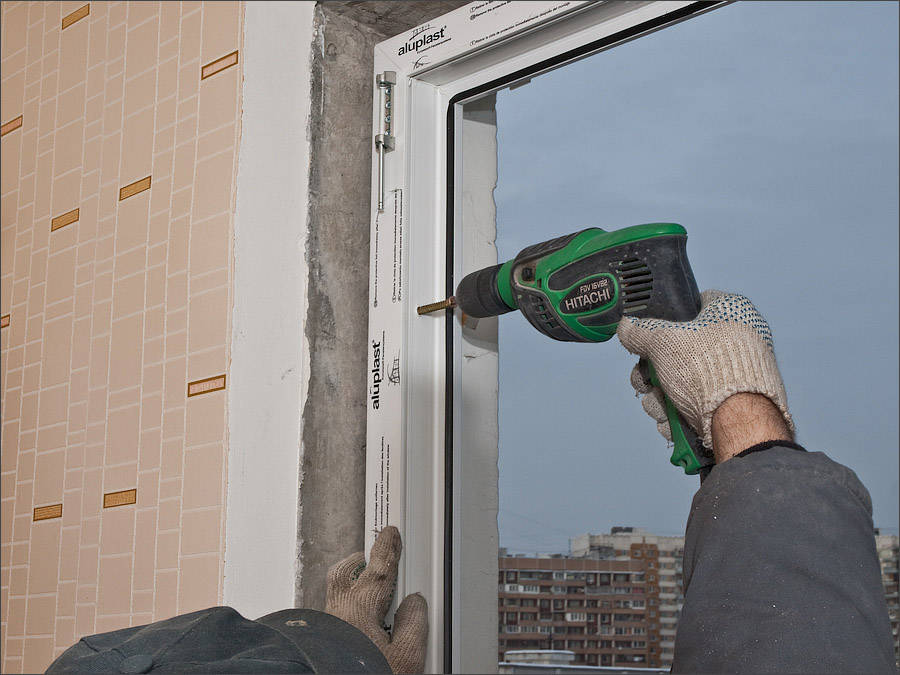 Крепление балконного блока анкерами