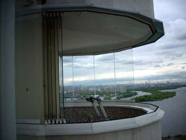 Круглый балкон: особенности остекления и дизайна.