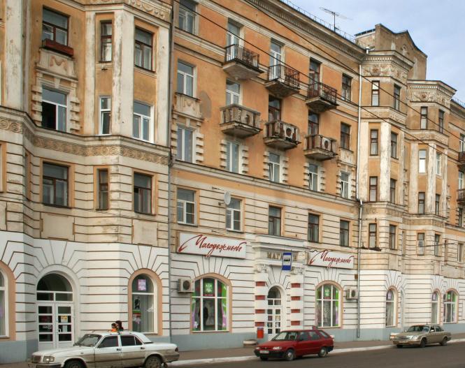 Как сделать остекление балкона в сталинке