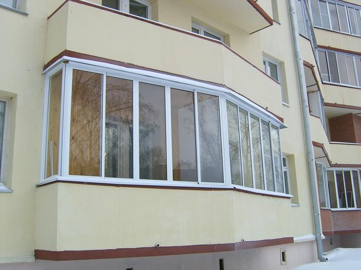 Установка деревянных и пластиковых стеклопакетов на балкон
