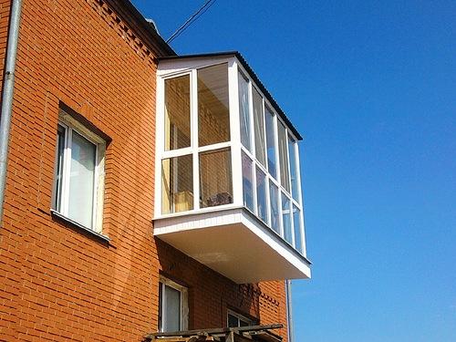 Внешний вид балкона с теплым остеклением