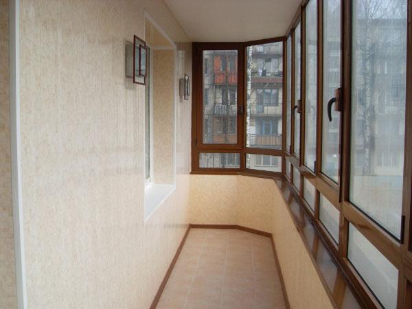 Внутренняя обшивка балкона пластиковыми панелями