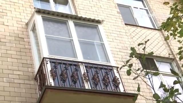 Особенности остекления балкона в сталинском доме.