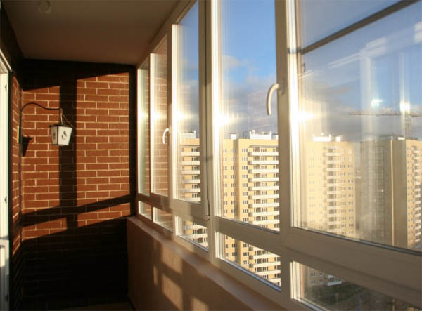 Застекленный пвх балкон