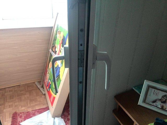 Двухсторонняя балконная ручка