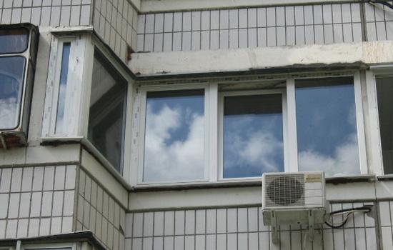 Остекление балконов и лоджий п-44 и п44т: особенности и отли.