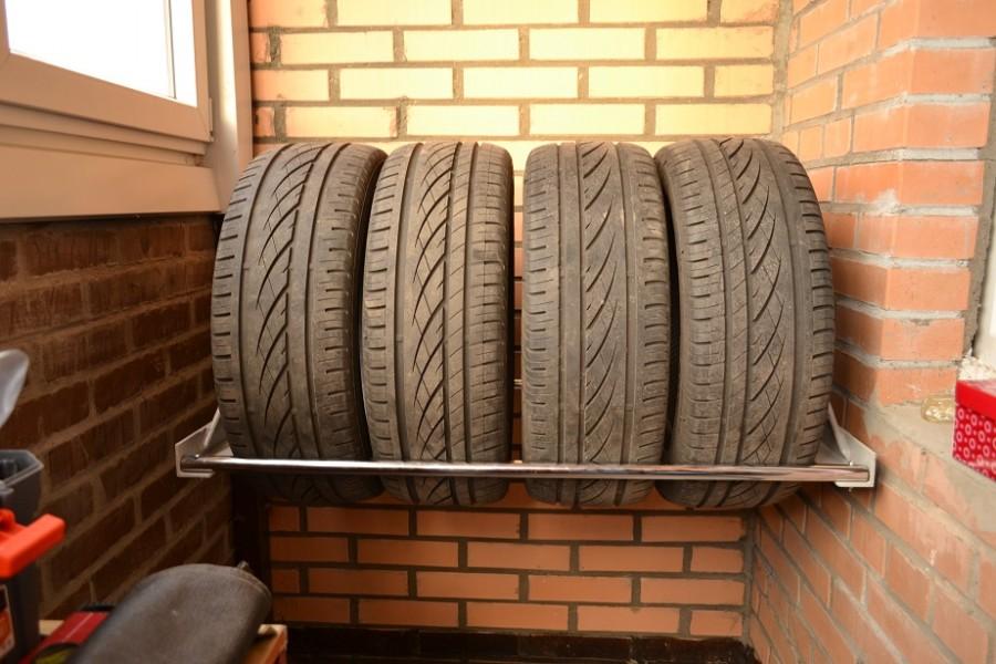 Шины и колеса на балконе: хранение резины зимой и летом.
